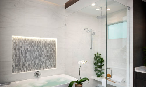 Monterey Master Bathroom 02